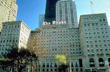 Drake Hotel of Chicago Exterior View